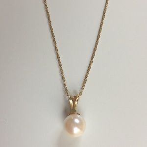 Jewelry - Freshwater Pearl Necklace 14K gold chain